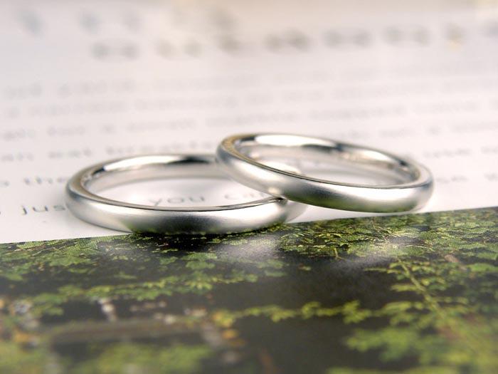 つや消しの甲丸手作り結婚指輪