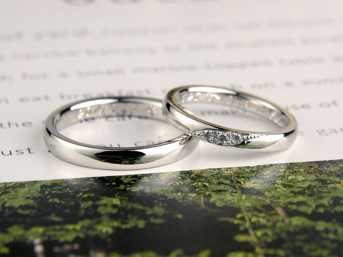 内側に馬の彫刻手作り結婚指輪