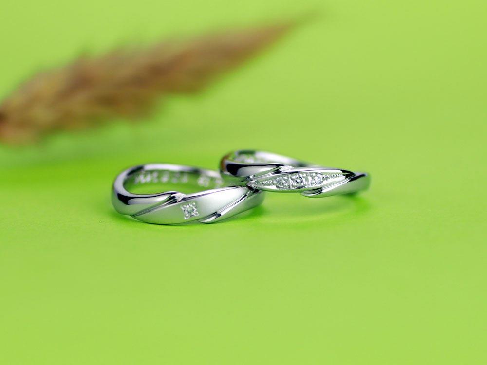 花のガクの様に見える手作り結婚指輪
