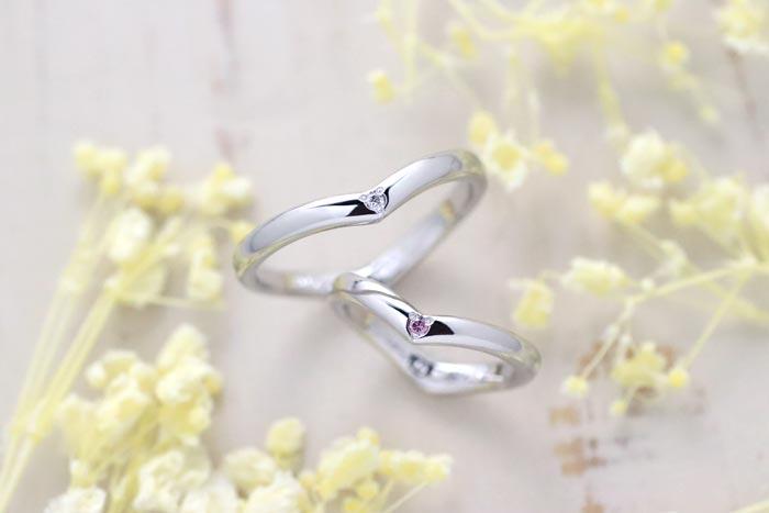 ハート型にピンクダイヤ手作り結婚指輪
