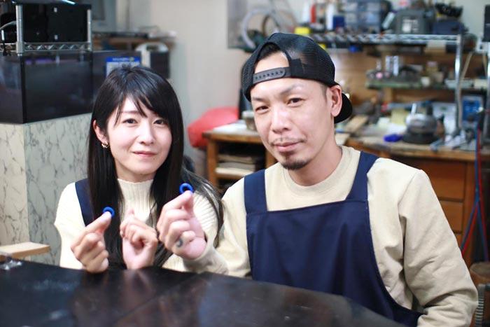 手作り結婚指輪が完成した二人