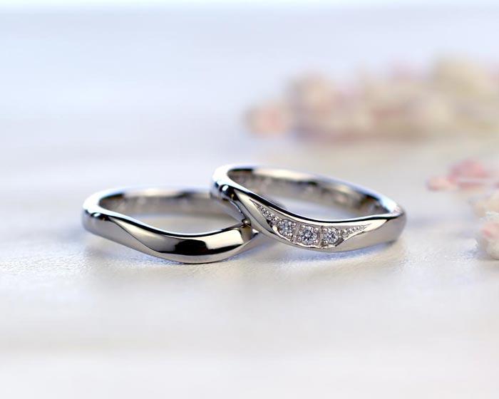 U字型ダイヤが綺麗な手作り結婚指輪